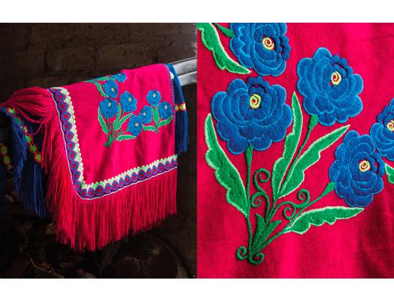 Mujeres bordadoras